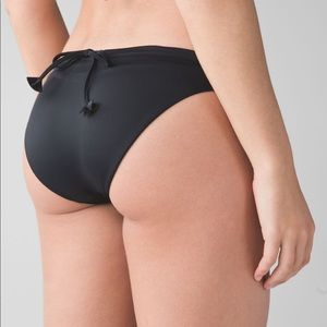 Lululemon Suns Out Bikini - Black / Freckle Flower
